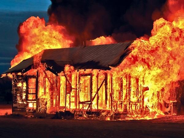 Mơ thấy cháy nhà - Ý nghĩa điềm báo của giấc mơ thấy cháy nhà