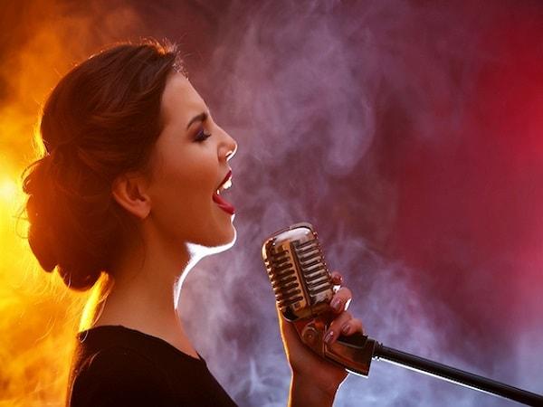 Mơ thấy hát đánh con số gì?