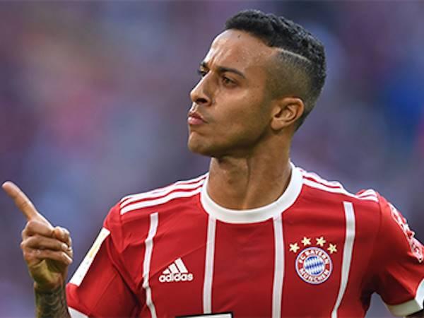 Bóng đá quốc tế sáng 13/8: Thiago Alcantara nói chuyện với J. Klopp