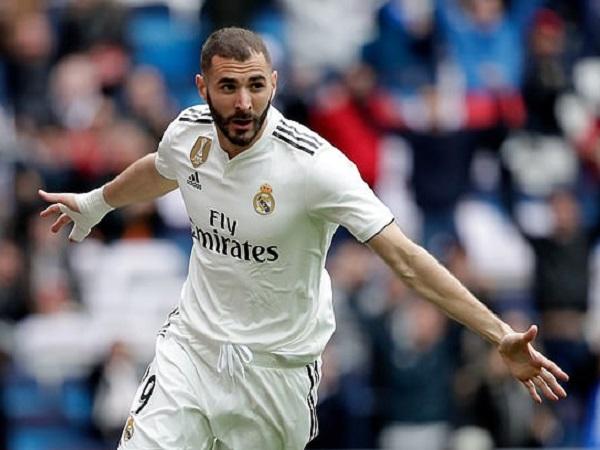 Bóng đá quốc tế sáng 9/10: Benzema thay đổi vì Ronaldo