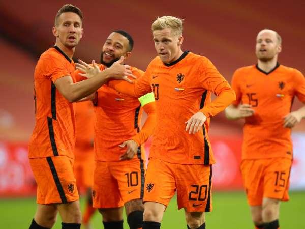 Bóng đá quốc tế tối 18/11: Van de Beek sẽ đá chính ở vị trí mới?